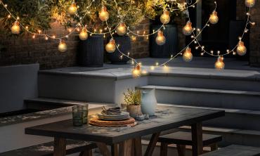 Lampe solaire 100 LEDS + 11 ampoules blanc chaud